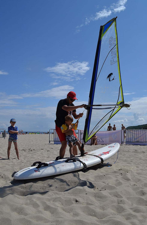 Nauka na sucho Trzy dni windsurfingu z Piotrem Myszką Trzy dni windsurfingu z Piotrem Myszką DSC 0209