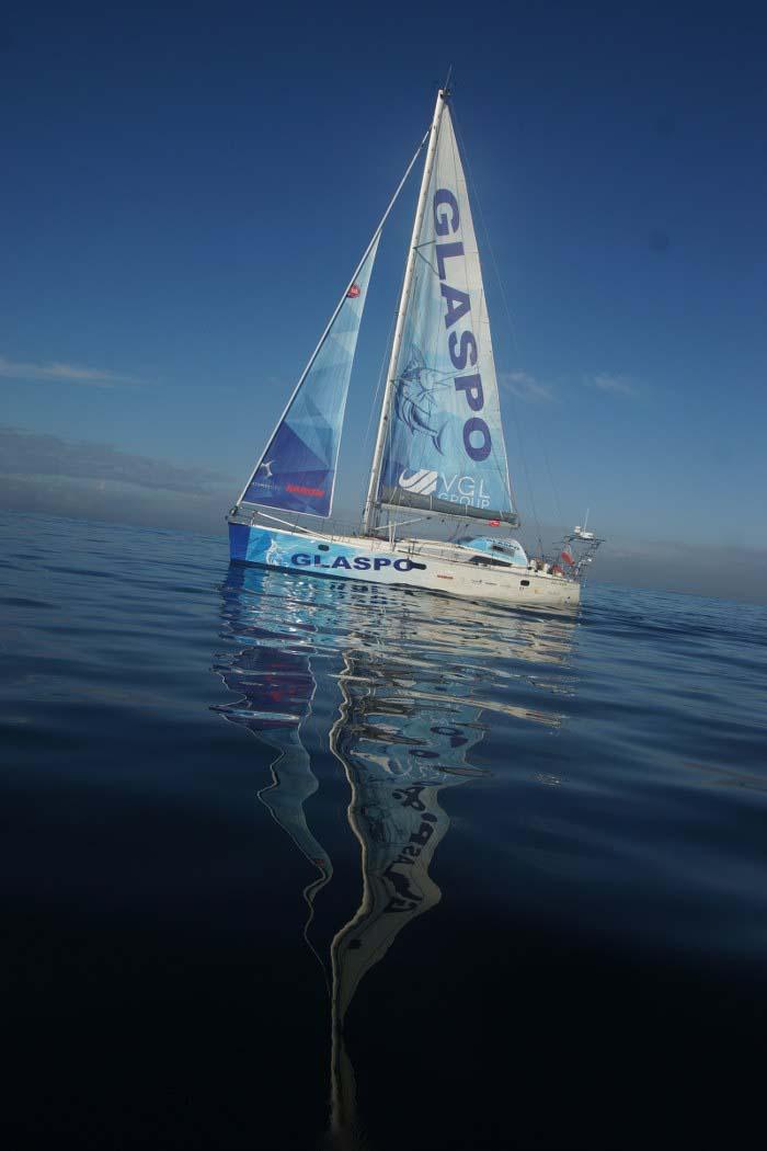 kapitan cichocki wypłynął w kolejny samotny rejs dookoła świata Kapitan Cichocki wypłynął w kolejny samotny rejs dookoła świata DSC08364 700x1050