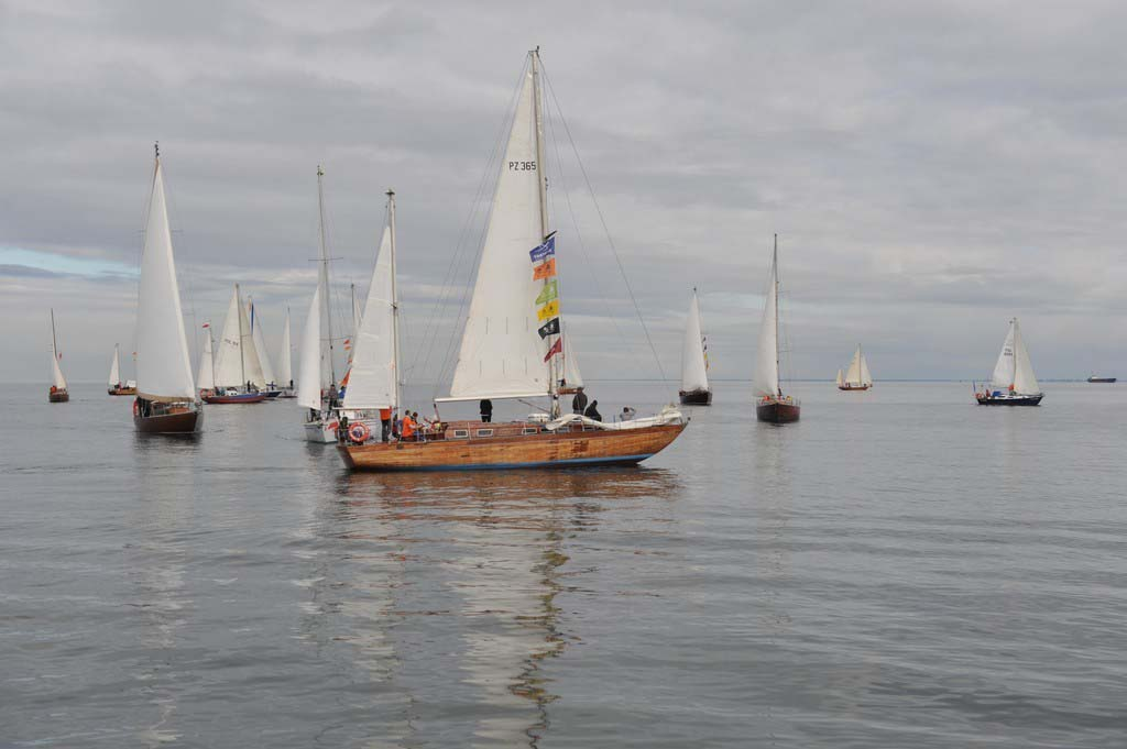 """próchno i rdza ""Próchno i Rdza"" – zlot łódek o klasycznych konstrukcjach z drewna i stali opanował Gdynię LTF 6107"