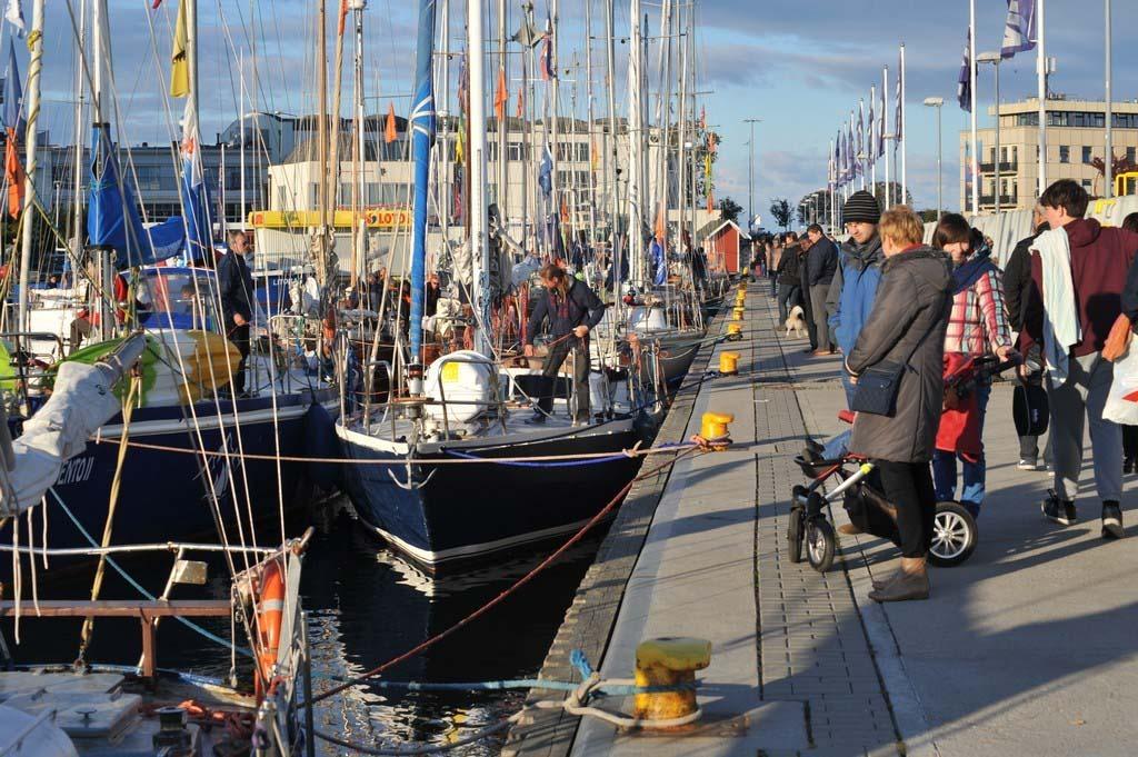 """próchno i rdza ""Próchno i Rdza"" – zlot łódek o klasycznych konstrukcjach z drewna i stali opanował Gdynię LTF 6183"