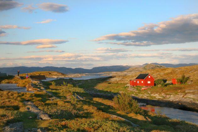 Arktyka 2017 Śladami Ginących Lodowców Jak powitaliśmy Arktykę – wyprawa  Fundacji 4 Kontynenty Arktyka 2017 Śladami Ginących Lodowców villa2 630x420