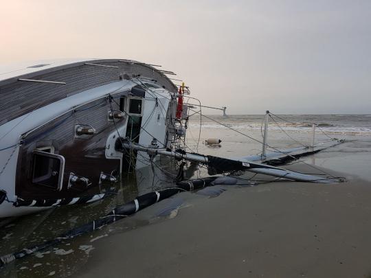 wypadek polskiego jachtu prodigy 2 w okolicach wilhelmshaffen Wypadek polskiego jachtu Prodigy 2 w okolicach Wilhelmshaffen WhatsAppImage2017 10 17at165631