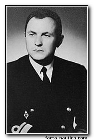zmarłym żeglarzom zapalono znicze Zmarłym żeglarzom zapalono znicze Ryszard Ulamek