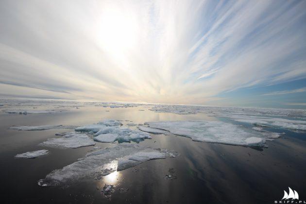 wyjątkowo trudna sytuacja lodowa na przejściu północno-zachodnim Wyjątkowo trudna sytuacja lodowa na Przejściu Północno-Zachodnim lancaster lo  d rejs morski 1 of 3 630x420