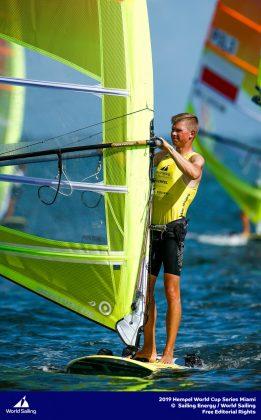 pŚ w miami: pięcioro polaków w sobotnich wyścigach medalowych PŚ w Miami: pięcioro Polaków w sobotnich wyścigach medalowych radoslaw furmanski ps miami 2019 02 01 fot sailing energy world sailing 261x420