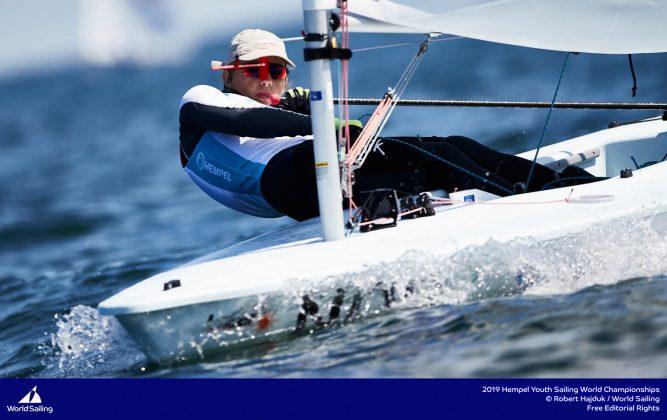 młodzieżowe mistrzostwa Świata Młodzieżowe Mistrzostwa Świata – Tytus Butowski liderem w klasie Laser Radial, udany początek deskarzy 190714 YSWC Gdynia RH 165 667x420