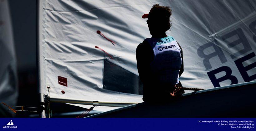 młodzieżowe mistrzostwa Świata Młodzieżowe Mistrzostwa Świata – Tytus Butowski liderem w klasie Laser Radial, udany początek deskarzy 190714 YSWC Gdynia RH 170 820x420