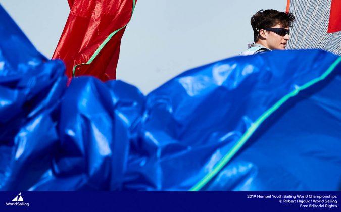 młodzieżowe mistrzostwa Świata Młodzieżowe Mistrzostwa Świata – Tytus Butowski liderem w klasie Laser Radial, udany początek deskarzy 190714 YSWC Gdynia RH 200 675x420